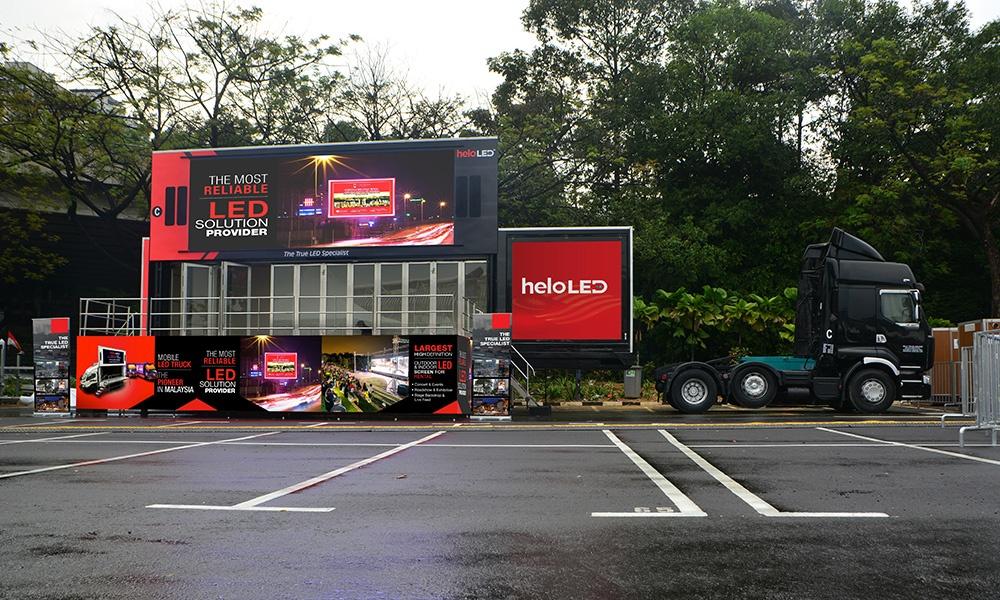 Transformer 40 footer LED truck